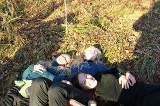 Девченки отдыхают и наслаждаются жизнью